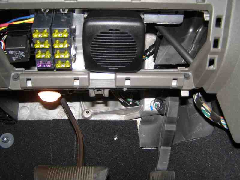 fuseblock wiring point for cb radio jeepforum com how to hardwire a cb radio to fuse box at crackthecode.co